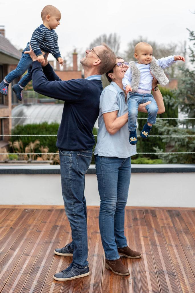 Portrait famille - photographie famille - grands parents petits enfants